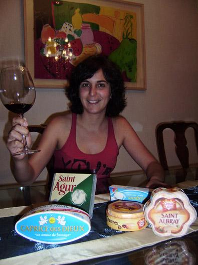 Celia Peña disfrutará el lote de quesos con los amigos de facebook que le ayudaron a conseguirlo