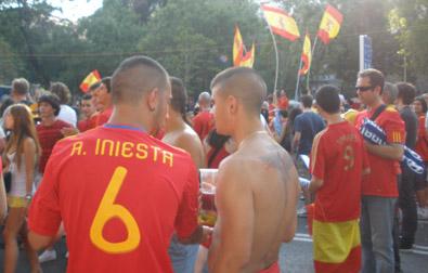 Iniesta marca un bonito gol que da la victoria a España en el Mundial